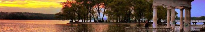 Тернополь - это город областного значения, которое еще называют «столицей западного Подолья». Расположен на реке Серет. Здесь проживает 217 326 человек, занимая площадь 72 км. кв. Через Тернополь проходят важные автомобильные и железнодорожны. Фото  5