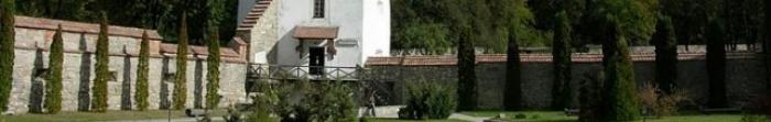 Жовківський район – район Львівської області. Районним центром є місто Жовква. Тут проживає 109318 осіб. Площа становить 1 295 км. кв. На північному заході район межує з Республікою Польща. На території району є 3 міста — Жовква, Рава-Ру�. Фото  1