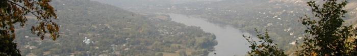 Могилів-Подільський - місто, районний центр Могилів-Подільського району Вінницької області, знаходиться на березі ріки Дністер,на кордоні з Республікою Молдовою. Площа міста налічує 21,63 кв. км, населенняпонад 32 тис. чоловік, станом на серпен�. Фото  3