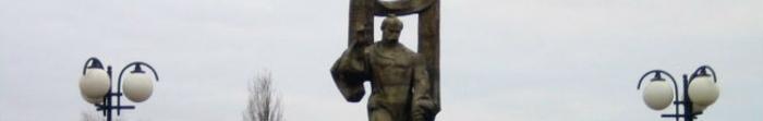 Ковель — давнє українське місто на Волині, районний центр Ковельського району, що знаходиться на березі ріки Турії. Загальна площа міста 47,3км. кв., загальна чисельність населення становить 68904 мешканців станом на 1 липня 2012 року. Перша писемна. Фото  4