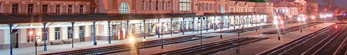 Івано-Франківськ було засновано 1662 року магнатом А. Потоцьким. Перша назва міста – Станіслав, на честь молодшого сина засновника. У цьому ж році (1662 р.) місто отримало магдебурзьке право. Сучасну назву Івано-Франківськ отримав 9 листопада 1962 ро. Фото  5
