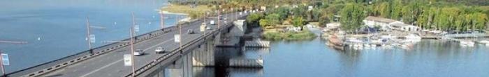 Миколаїв — місто, є обласним центром у Миколаївській області. Місто розташоване на берегах річки Інгул, яка впадає у Південний Буг. Відстань до Чорного моря становить 65 кілометрів. Міколаїв являє собою важливий транспортний вузол, через який. Фото  2