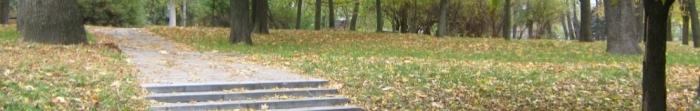 Місто Свердловськ утворене в результаті об'єднання декількох поселень (1938 р.). Назва його походить від імені російського політичного діяча Я. Свердлова. Активне заселення міста розпочалось після виявлення покладів кам'яного вугілля. Нас�. Фото  1