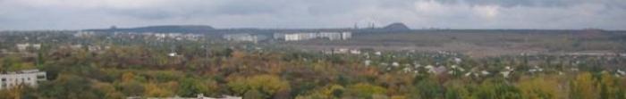 Місто Краснодон було засновано 1913 року, спочатку це був рудник Сорокіно, сучасну назву місто отримало в 1934 році. Місто розташоване на відстані 50 км від обласного центра – Луганська. Через місто протікає річка Велика Кам'янка, яка є притоко�. Фото  4