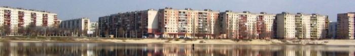 """Siewierodonieck często nazywany Perłą Donbasu. Został założony 29 kwietnia 1934, w związku z budową największego w fabryce nawozów sztucznych azotowych ZSRR, który dziś nazywany jest """"Azot"""". W 1950 r. nazywa Lishimstroy. Miasto ma ponad 110 tysięcy mieszkańców. Jest to jeden z głównych ośrodków przemysłowych, kulturalnych i naukowych Donbasu (drugie miejsce w rozwoju gospodarczym po A. Photo  5"""