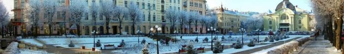 Czerniowce jest centrum administracyjnym regionu Czerniowcach i polityczne, kulturalne i religijne centrum Bukowiny, położony w południowo-zachodniej Ukrainie, 40 km od granicy z Rumunią. Pierwsza wzmianka o mieście pochodzi z roku 1408, chociaż najstarszych szczątków archeologicznych miasta sięgają do terytoriyiyi nawet okresu neolitu. Czerniowce zajmować powierzchnię ponad 152 metrów kwadratowych. Km., I ma ponad 255. Photo  2