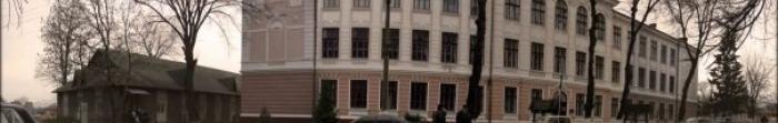 Кіцмань — місто, районний центр Кіцманського району Чернівецької області, знаходиться на березі ріки Совиці та знаходиться на відстані 22 км. від Чернівців. Найдавніша письмова згадка про населений пункт датується 1413 роком, кількість населе�. Фото  2